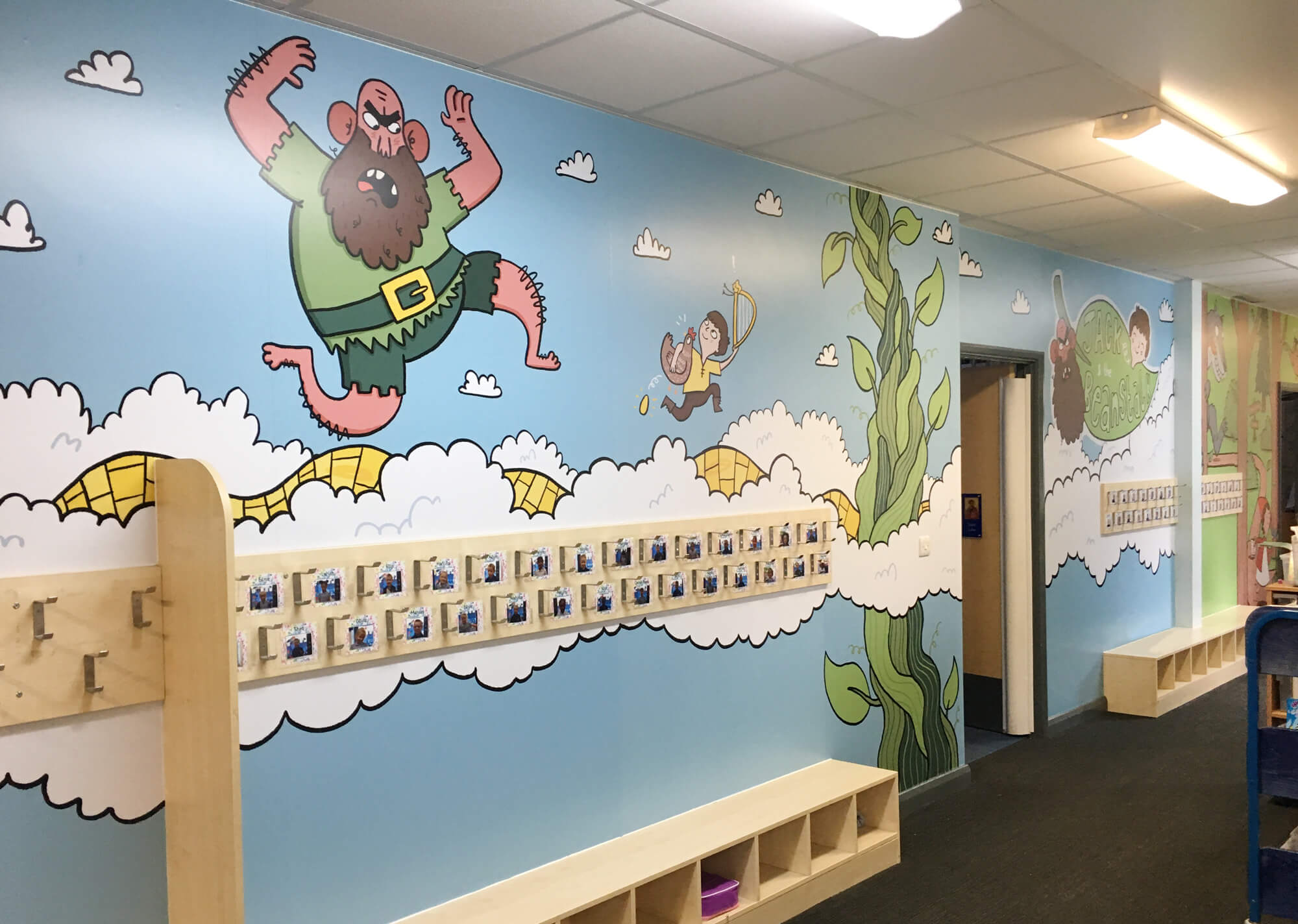 sacred_heart_primary_traditional_tales_wallgraphics_02.jpg