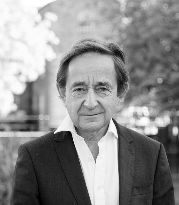 Sir Anthony Seldon   is a writer, political historian and world renowned educationalist. Sir Anthony is Vice-Chancellor of the University of Buckingham, ISH's university partner.