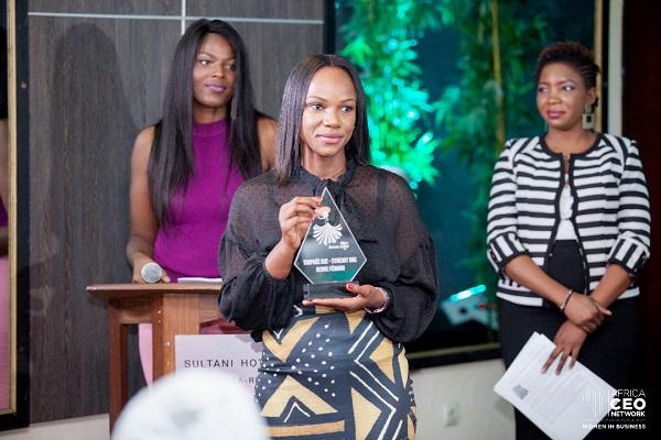 ELAN RDC's Arlette Mboyo receives the award on March 30, 2019.
