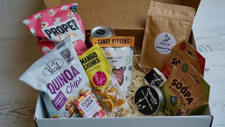 LOVED BY VEGAN HOUNDS & hUMANS! - IN PARTNERSHIP WITH TREATKIND
