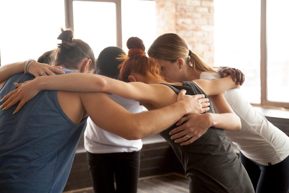 #Becoolbeyou - En cours de développementAvec le yoga et la méditation, on te propose d'être toi. Sans filtre. D'apprendre à calmer ce mental envahissant, à poser ton téléphone sans faire une panic attack. 6 ateliers hebdomadaires d'1h (entre deux vacances scolaires)6 à 8 participants11-13 ans OU 14-15 ans OU 16-17 ans