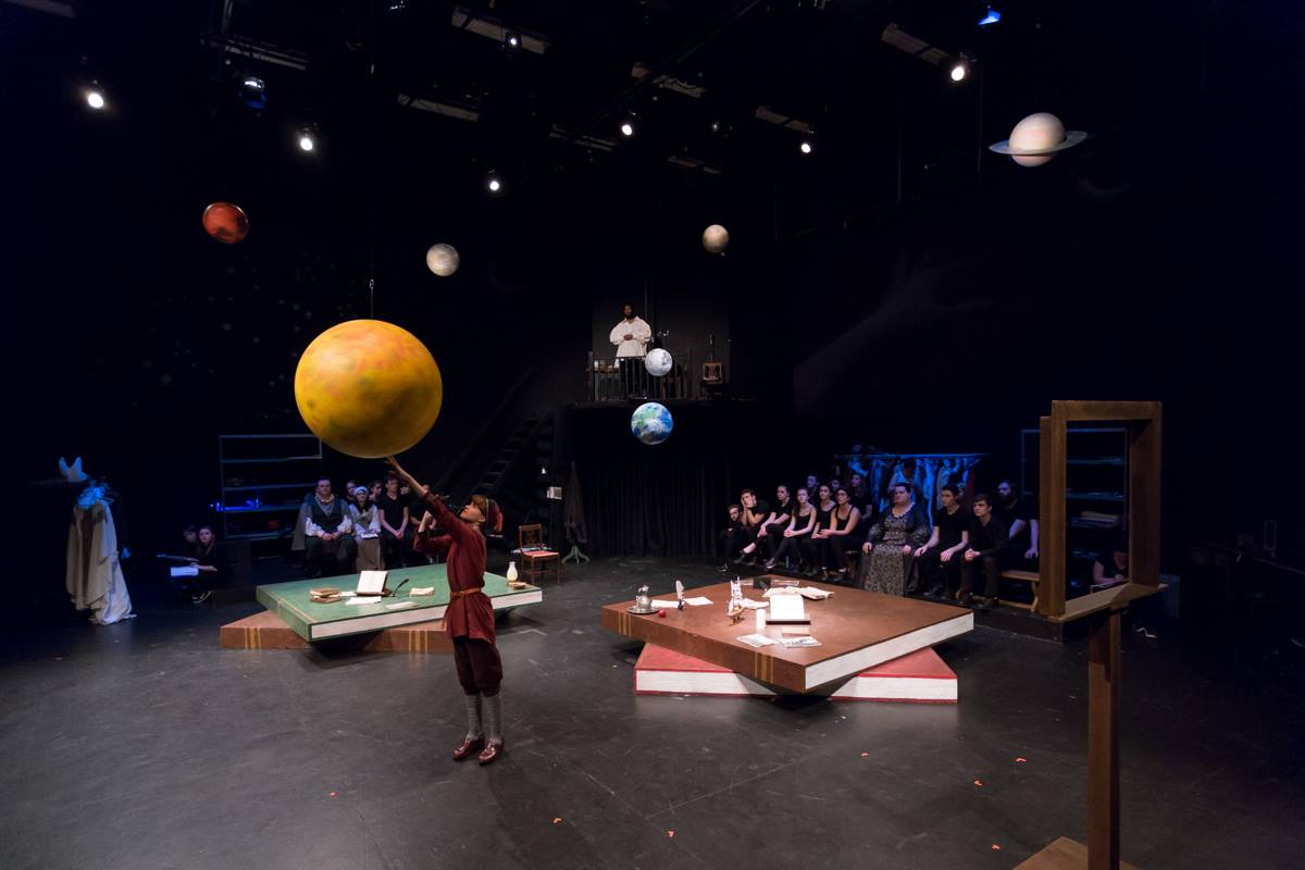 A life of Galileo. Theater St. Thomas. 2018. Photo Credit: Andrew Reinders.