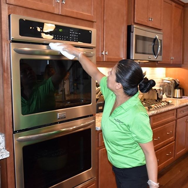 Do you have company coming and you're too busy to clean? No problem! Call Housekeeping Services of Hilton Head today to schedule your home to be thoroughly cleaned, 843-815-7377.  #housekeepingservices  #cleanhome #cleaningservices #hiltonhead #bluffton #companyiscoming #residentialcleaning