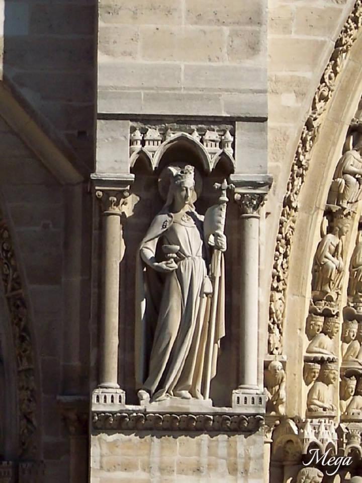Notre Dame beauty 14.jpg