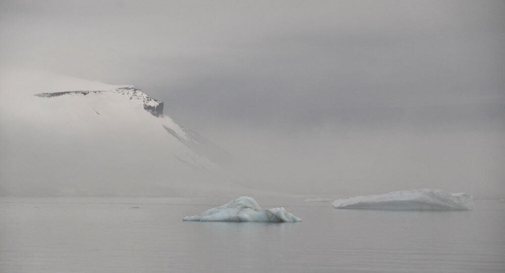 Christoph-Ruhsam-iceberg-arctic.jpg