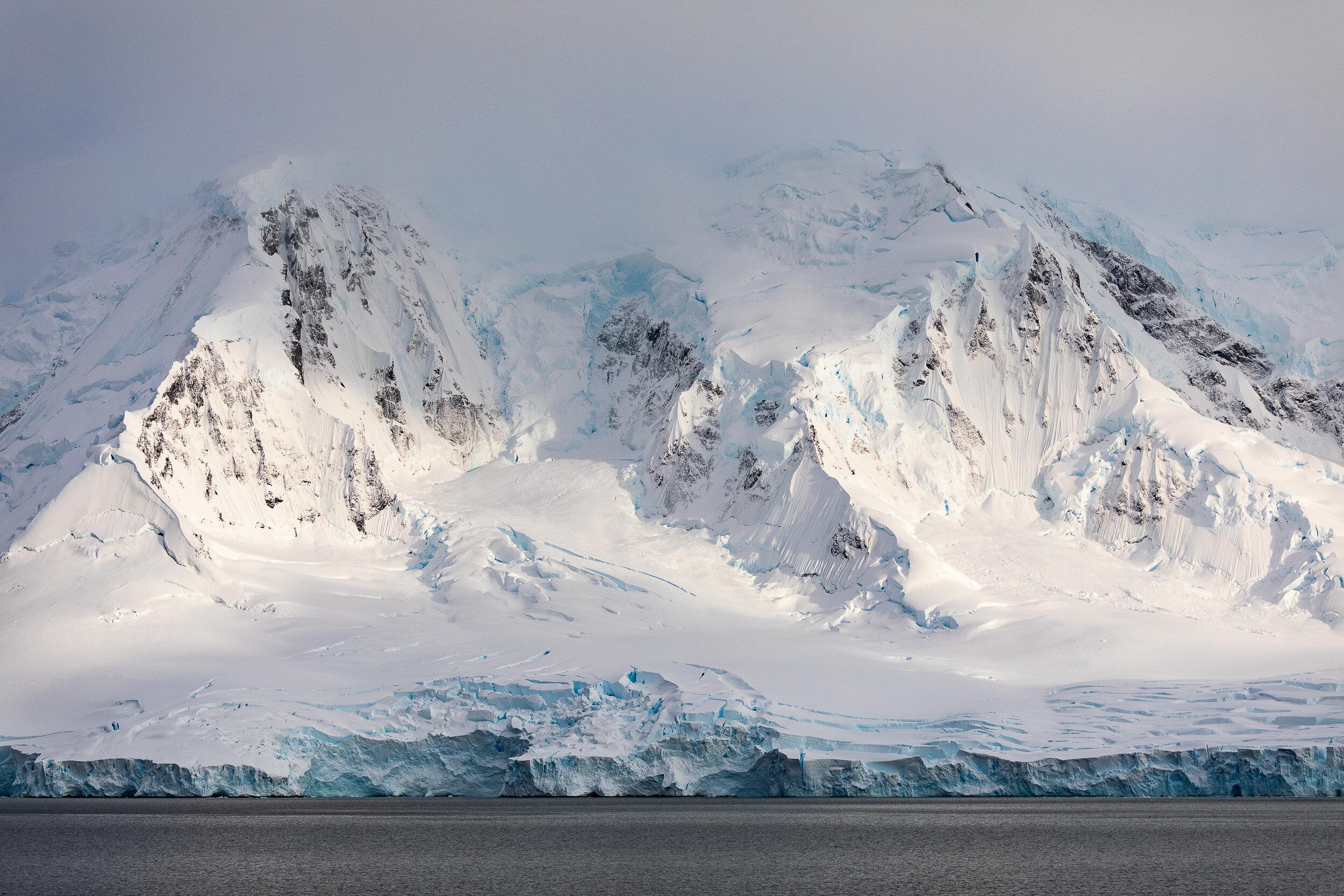Expedition Snow Desert - An Antarctic Journey