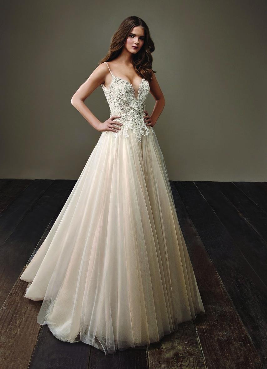 Alta Costura por Badgley Mischka - Vestido ''Bernice'' da marca de haute couture Mischka, com um corsete em branco bordado com pedrarias Indianas e uma saia de tule em champanhe!