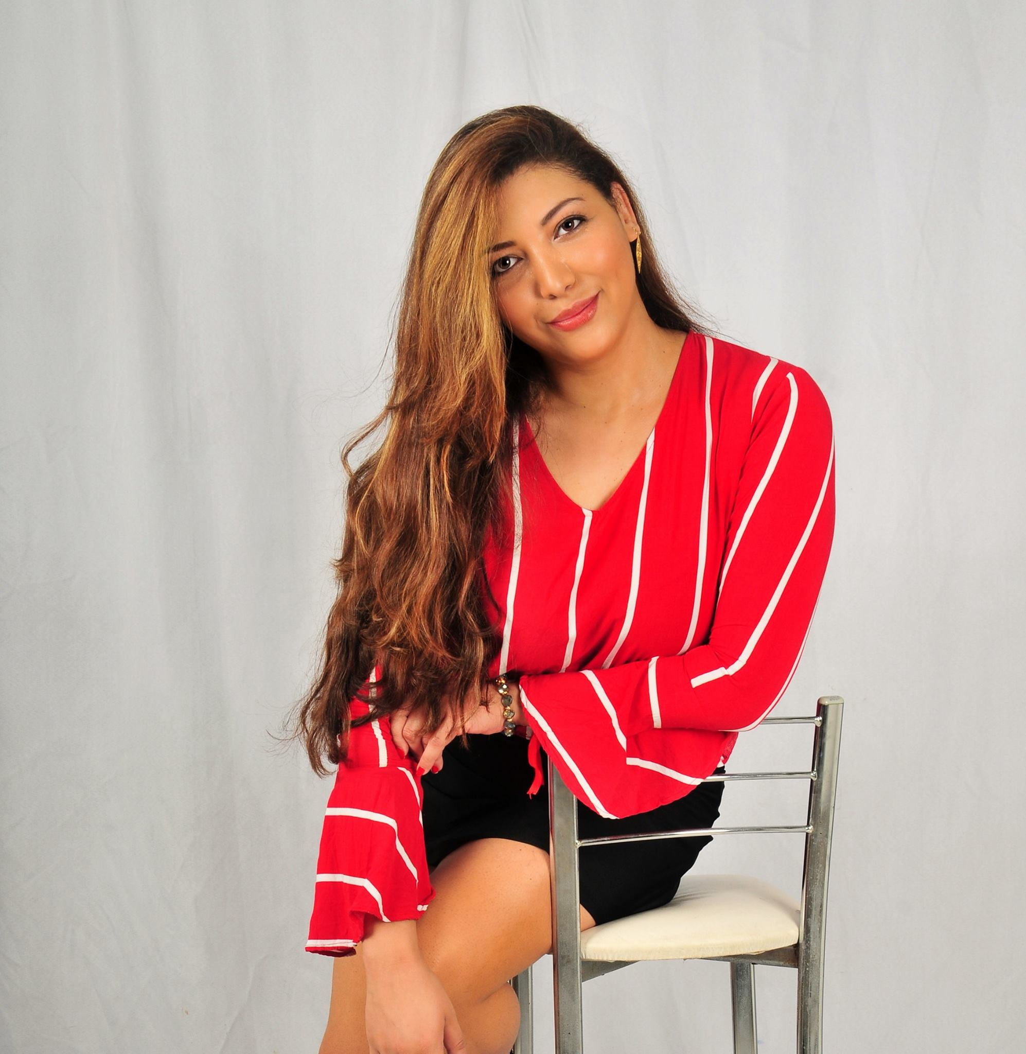 Adriana Cabral - Fundadora da loja virtual e Blog Pashmina Brasil. Adriana e tambem ativista intercultural e publicista