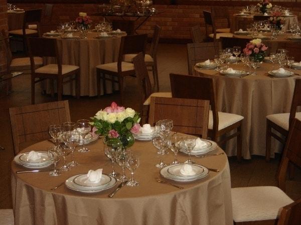 Toalhas na cor Champanhe - Pode ser alugado em varias empresas de festa.VivaFiestaValor: R$15.00 aluguel