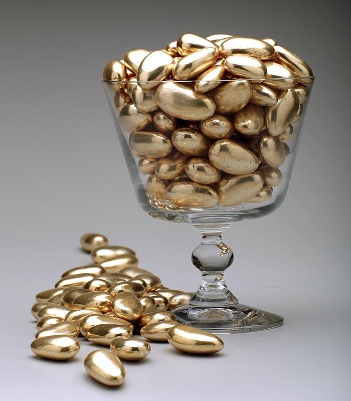 amendoas-confeitadas-dourada-lembrancinhas.jpg