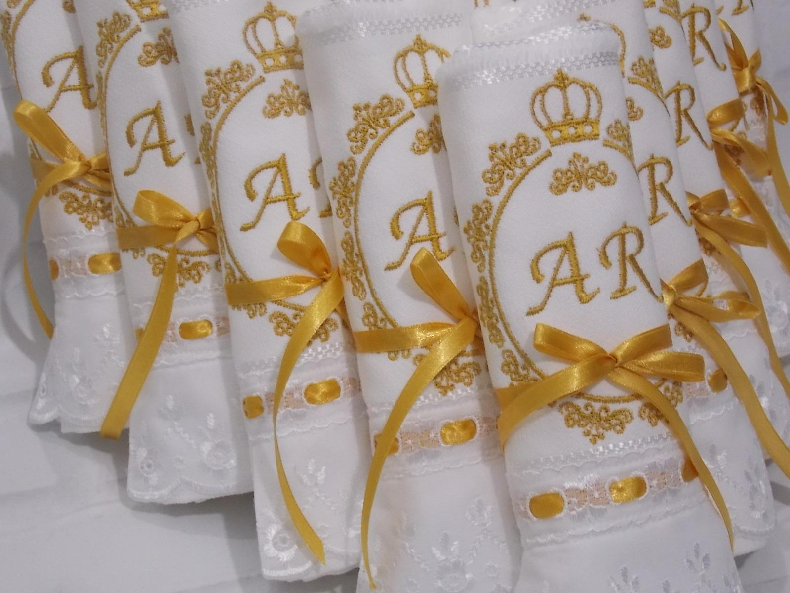 toalinhas bordadas casamento.jpg