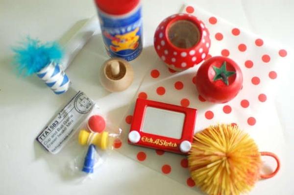 brinquedinhos para distrair crianca casamento.jpg