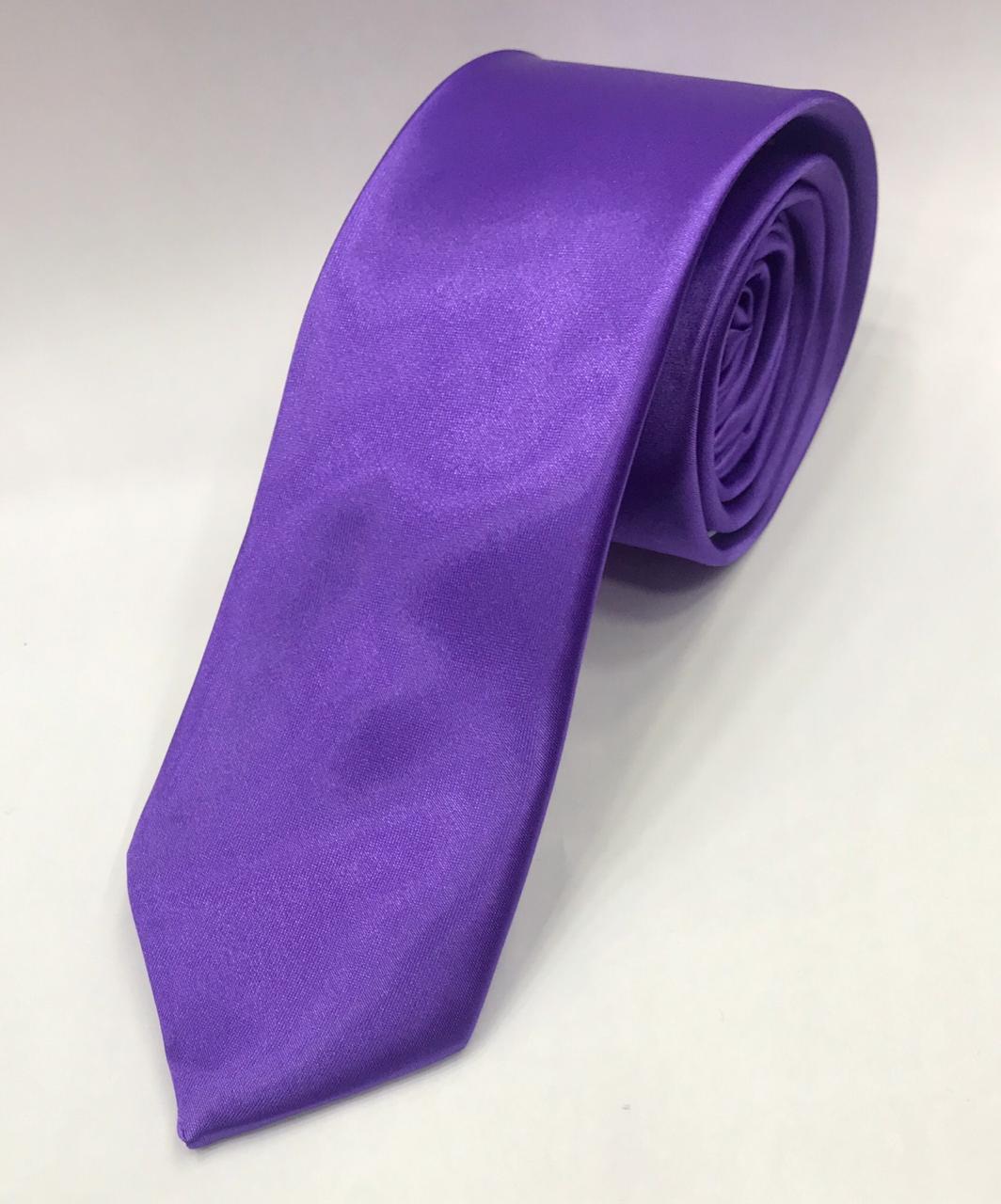 Gravata roxa lilas