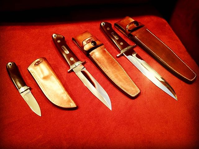 Made many moons ago in Los Angeles. All designed by Bob Loveless, made using the actual patterns from his shop in Riverside, Calif. From left to right: Hip Pocket Hunter, Wilderness, Battle Knife. Engraved by Alvin Chewiwi. #bobloveless #jimmerritt #alvinchewiwi #hitatchisteel #ats34 #huntingknife #fightingknife