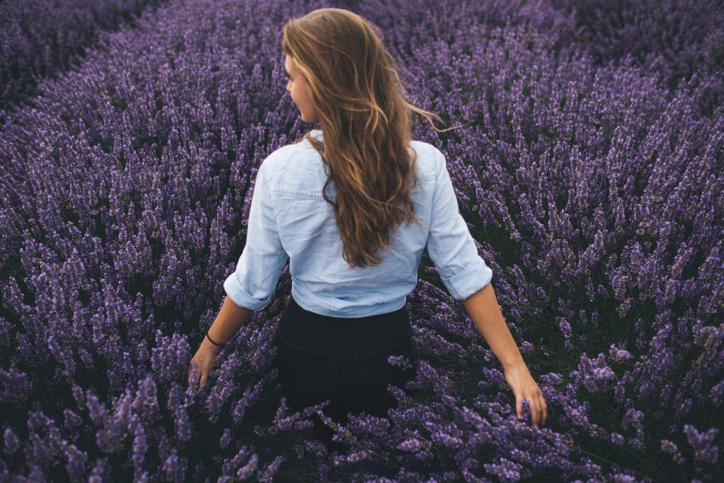 woman-in-purple-heather-1024x683.jpg