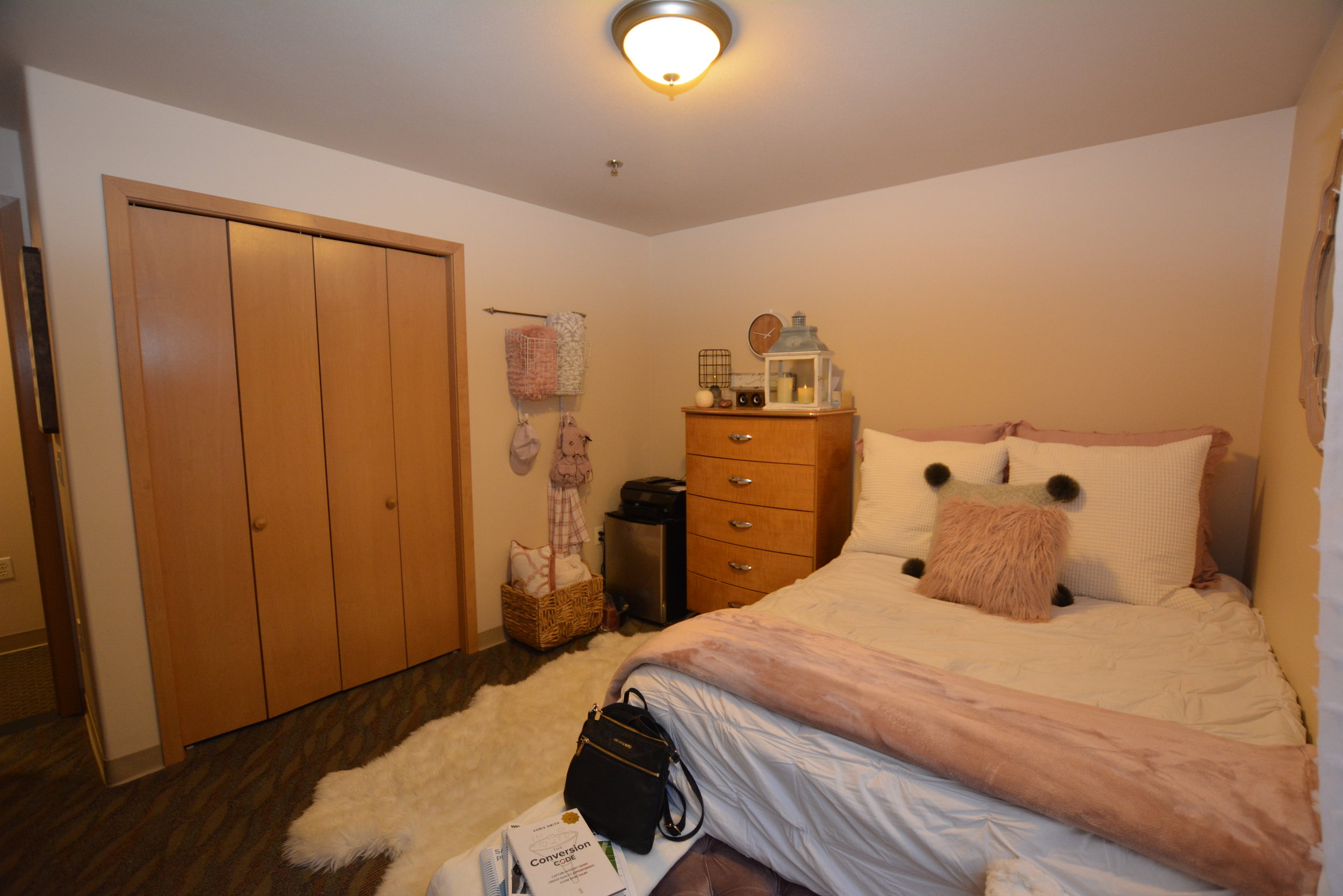 The Aberdeen Apartments feature large bedrooms