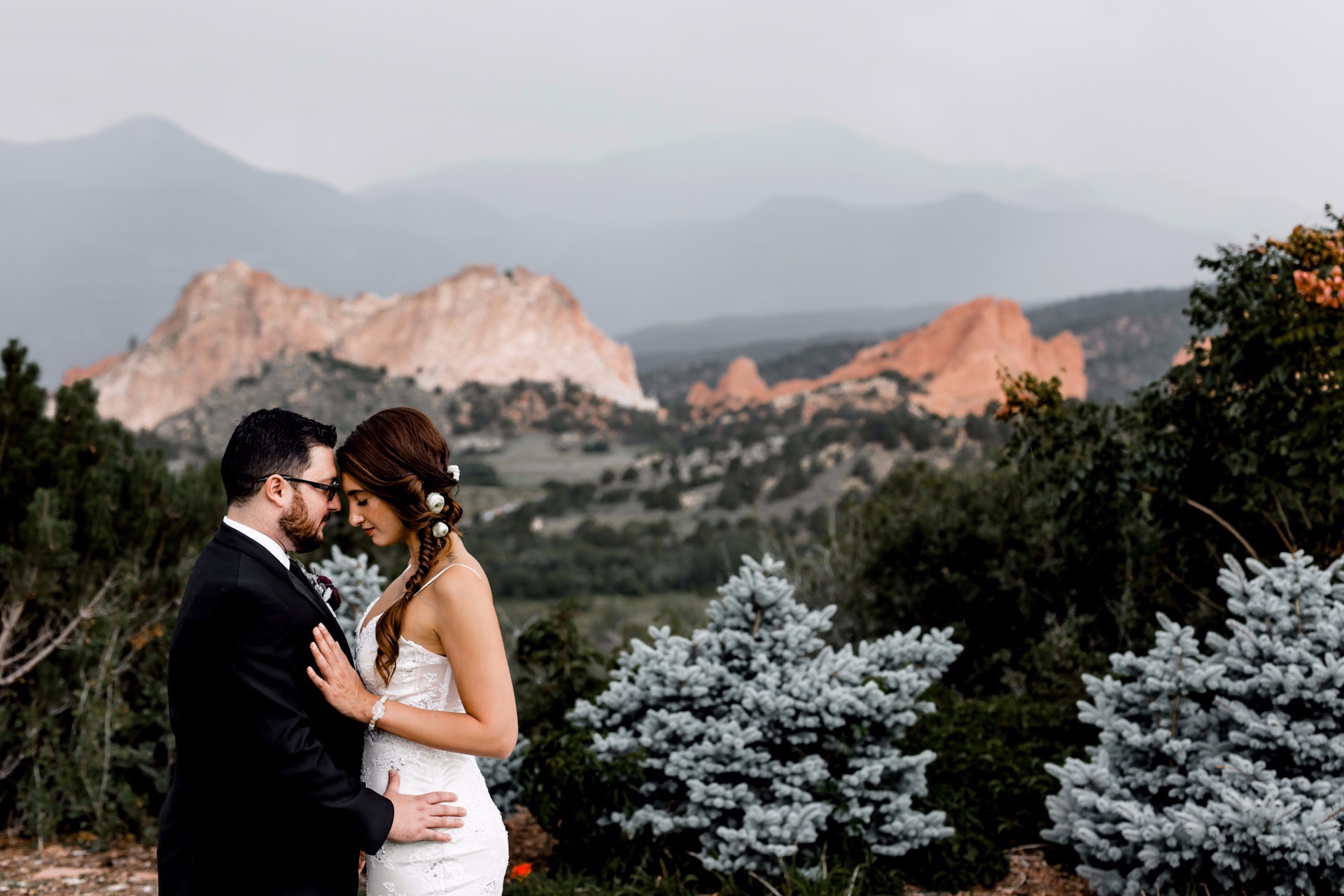 Stephen & Malak - Garden of the Gods