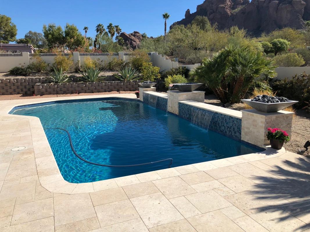 pool w waterfeature3.jpg