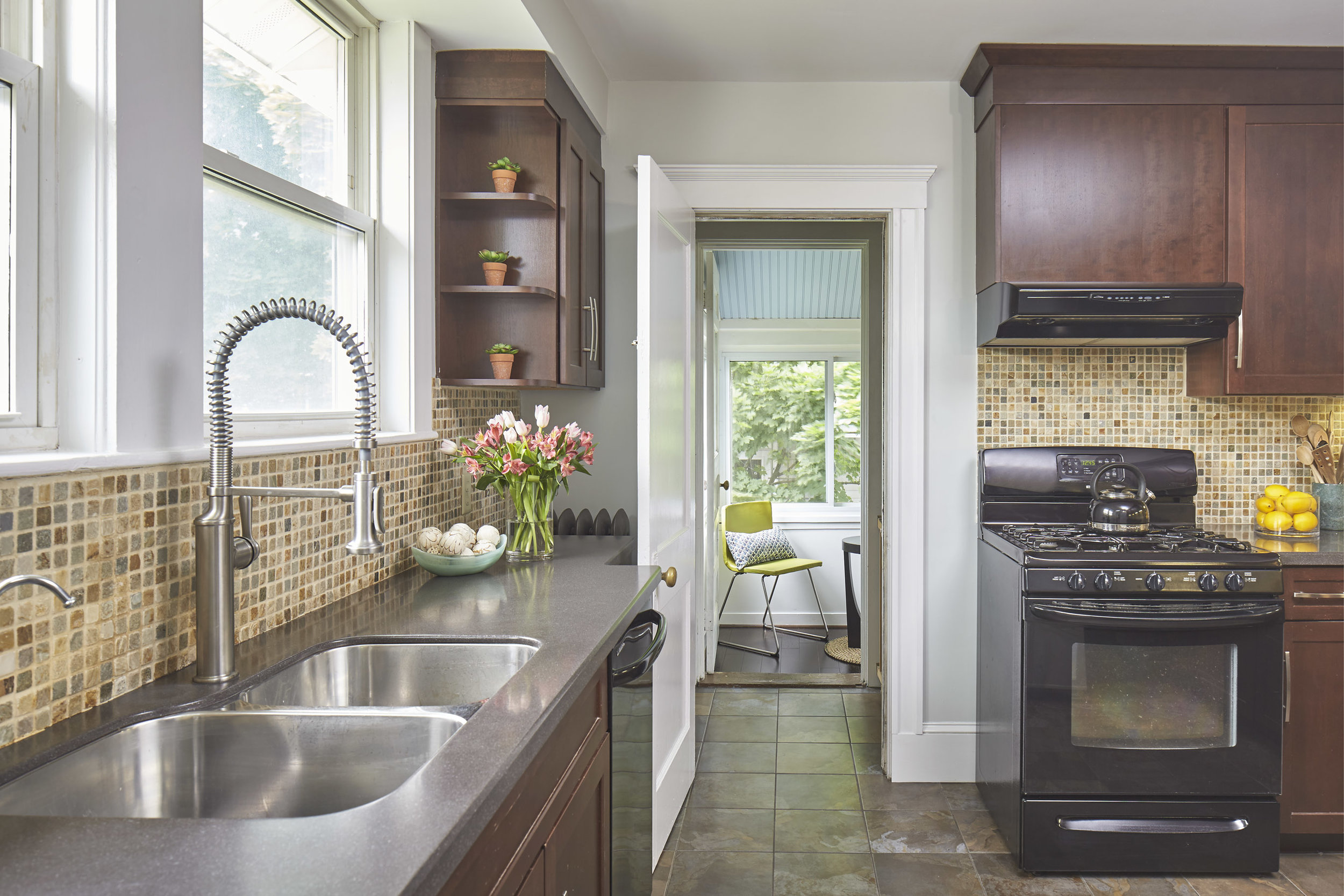 24_springfield_st_kitchen.jpg