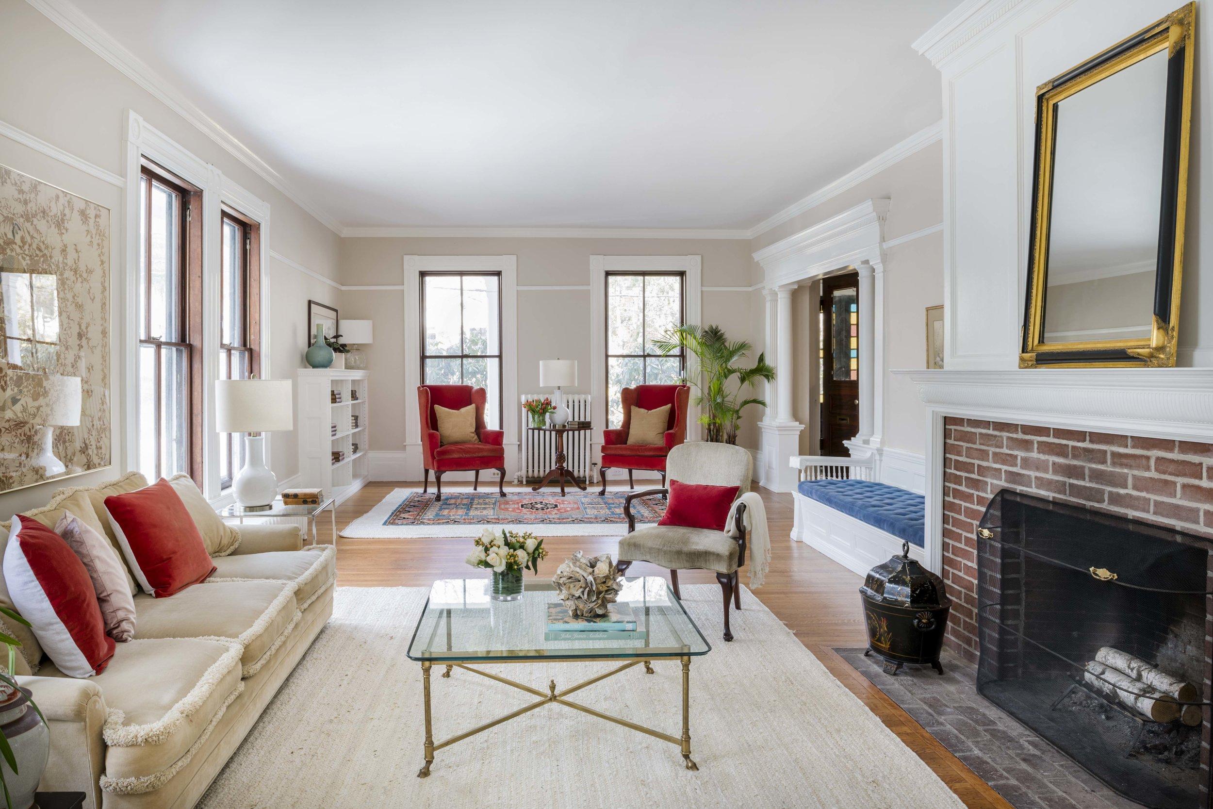 Living Room Pleasant belmont.jpg