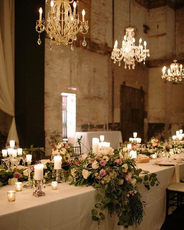 all that glitters really is gold ✨ cheers to the perfect head table