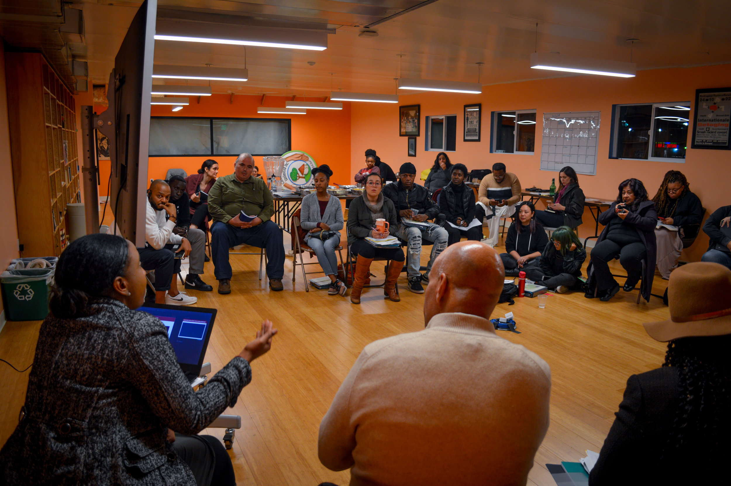 Food Leaders Lab - The Food Leaders Lab (FLL) is a leadership training program offered by the Los Angeles Food Policy Council.The Food Leaders Lab trains community advocates and residents on the histories of food justice movements, political leadership, and strategies for a healthy, resilient and just food system in Los Angeles through a ten-week intergenerational, multi-lingual course.Each Food Leaders Lab session explores food system dynamics and case studies from various social movements including anti-hunger and community food security, food sovereignty and regenerative agriculture. In addition, the Food Leaders Lab emphasizes leadership development and skill building relevant to policy, advocacy and community organizing.