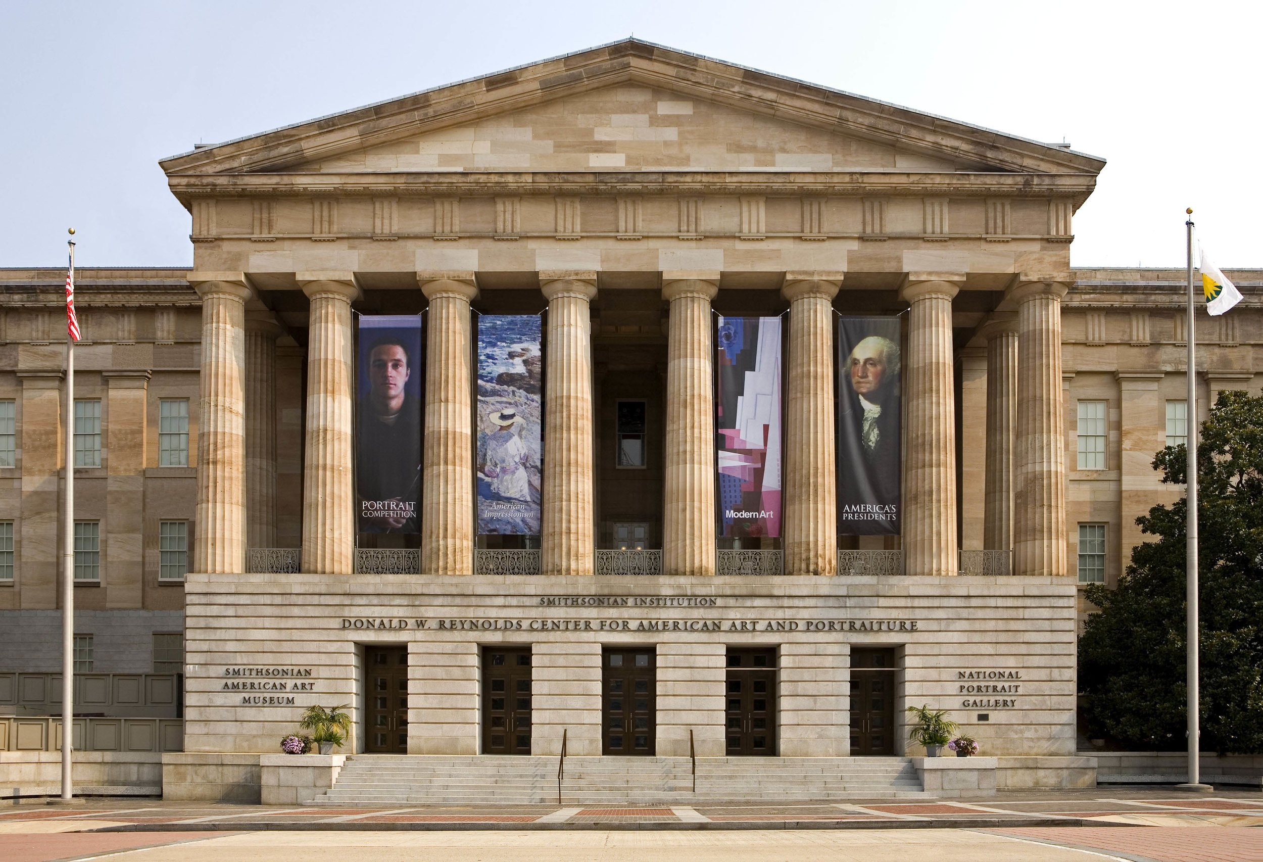 79b_National Portrait Gallery_exterior.jpg