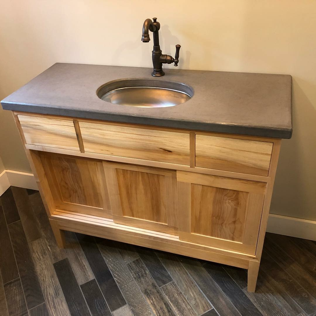 Bathroom Vanity - Maple - 34 x 60 x 21
