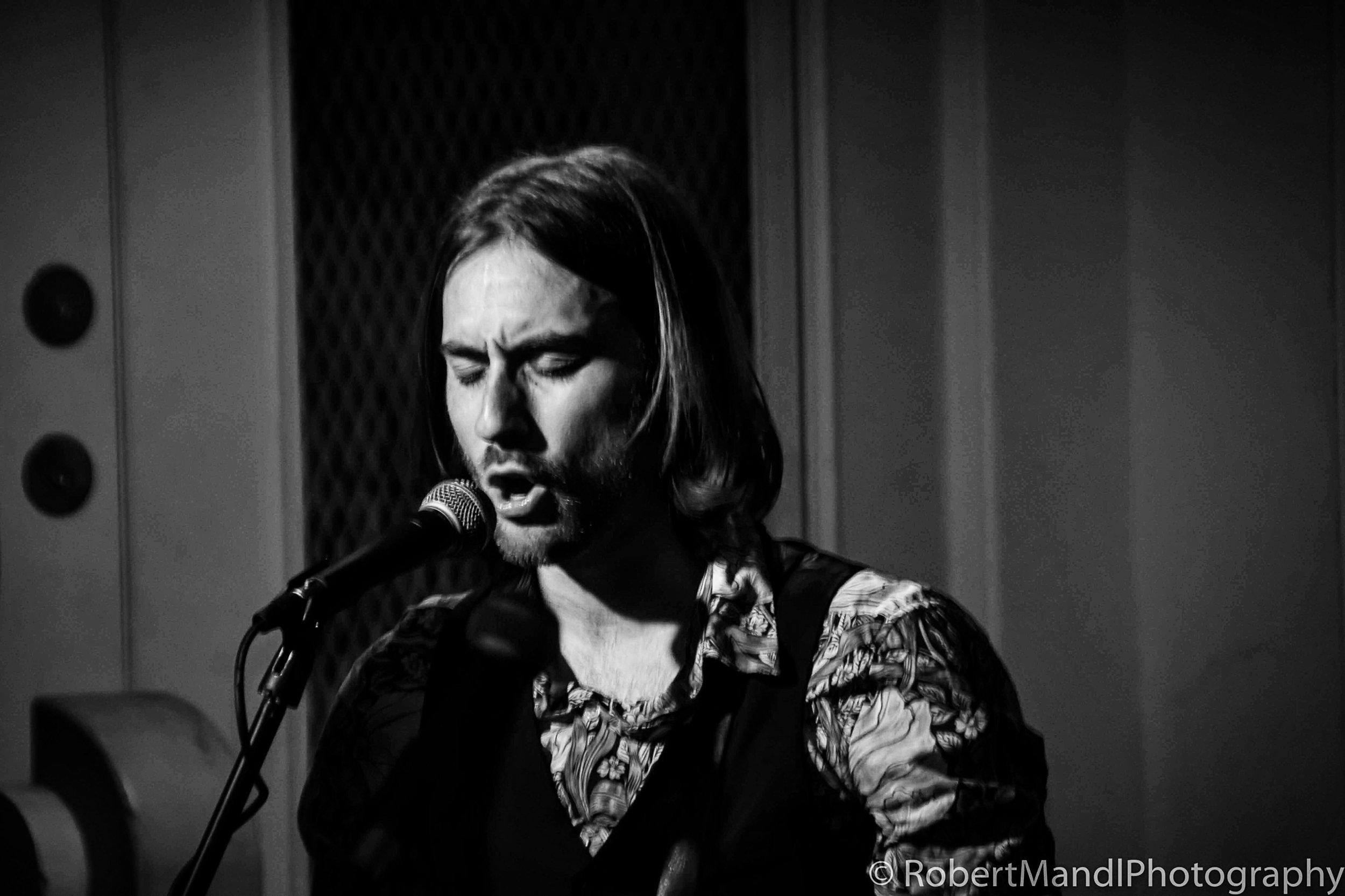 Sam Mandl - Rhythm Guitar & Backing Vocals