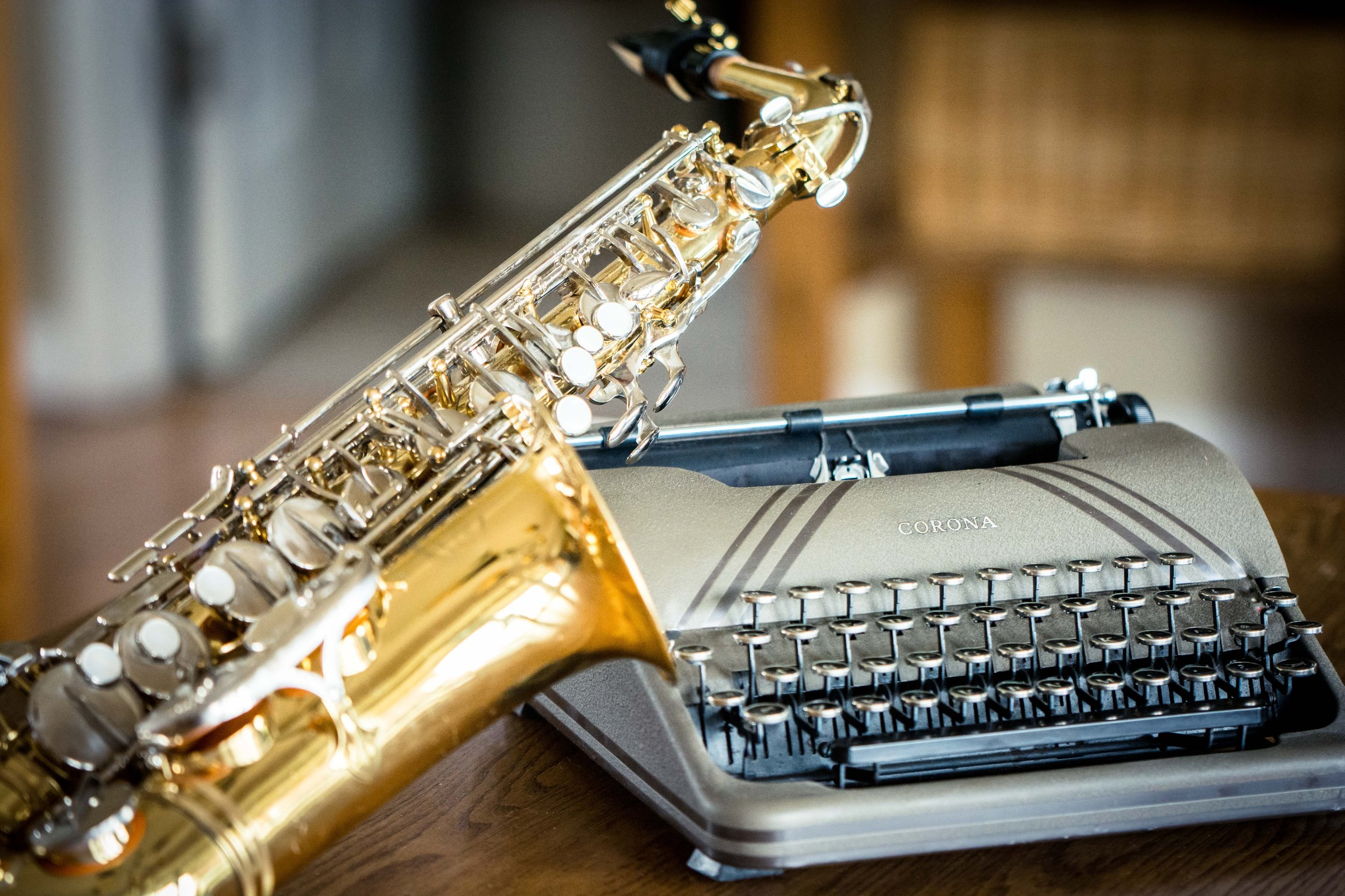 Jazz, cocktails and a roomful of writers…