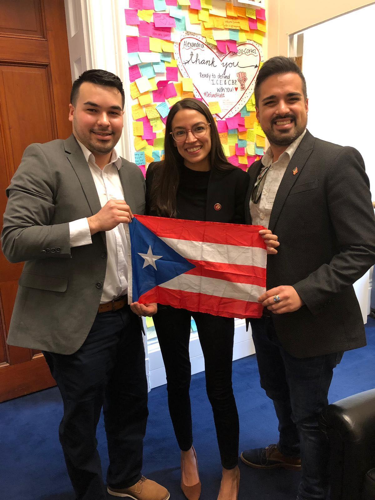 Visitando la Oficina de la congresista de Nueva York, Alexandria Ocasio-Cortez.