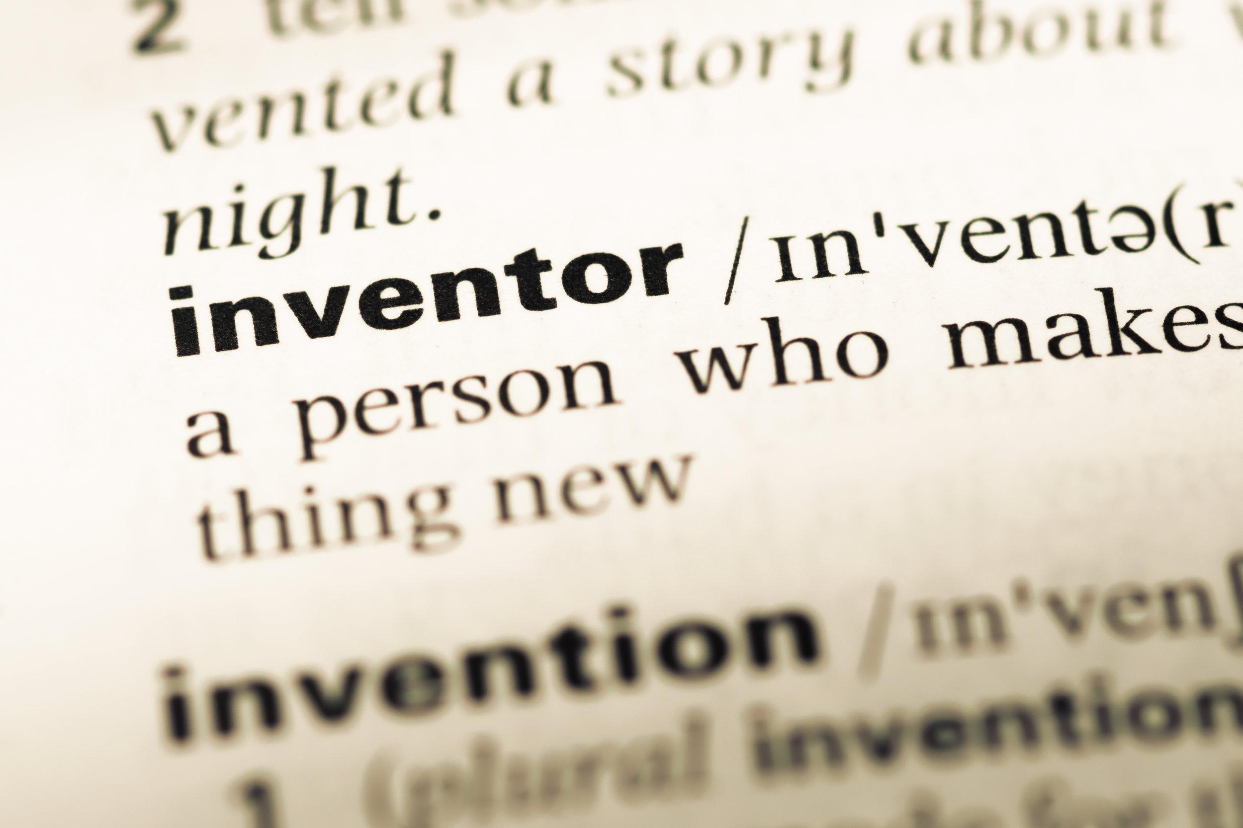 El inventor es quien concibe la idea en conjunto con un plan para convertir esa idea en un invento.