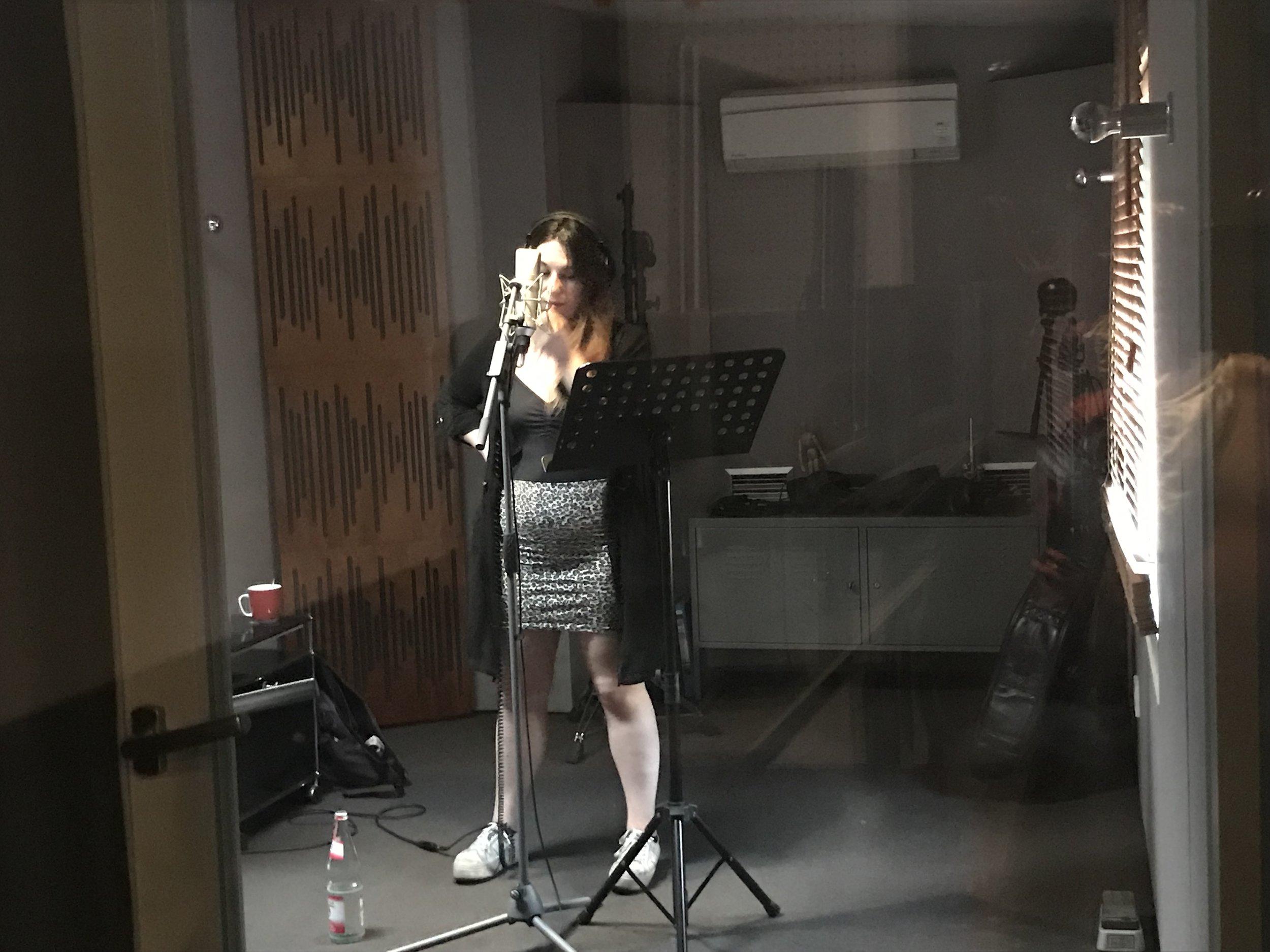 Laura Lloreta - Of RELATIIV recording guest vocals at Viktoria Studio