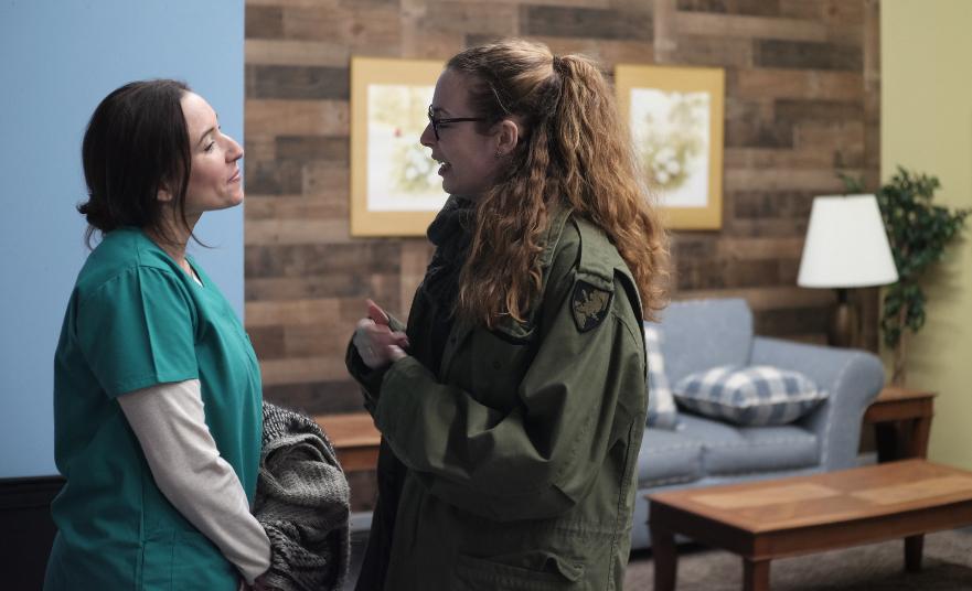 - Director, Alyssa Carter, and actress, Vanessa Suarez on the set of Las 17.