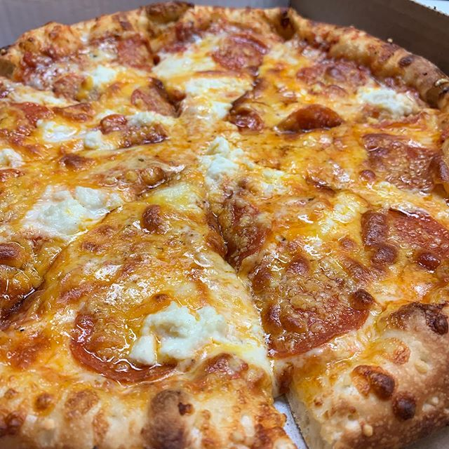 Long weekends = PIZZA #nomnom #pizza #delivery #cheese #losangeles