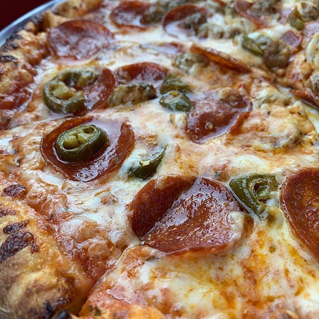 No dinner plans yet? We got you covered 😻 #pizza #studiocity #venturablvd #shermanoaks #dinner #losangeles #foodies #pizzas #delivery