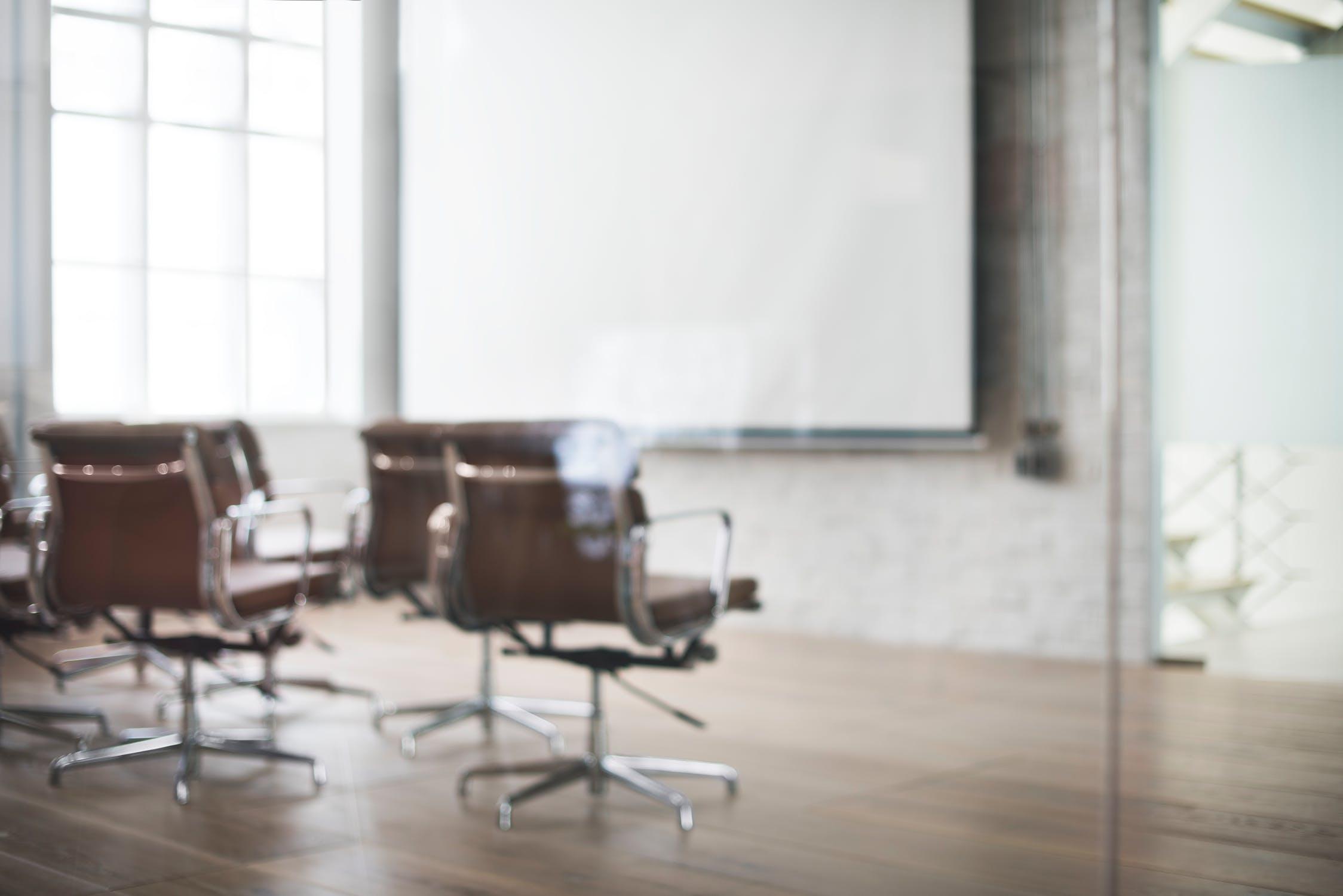 Leipomotuotteet ja tarjoilut yrityksille kokouksiin | Espoo