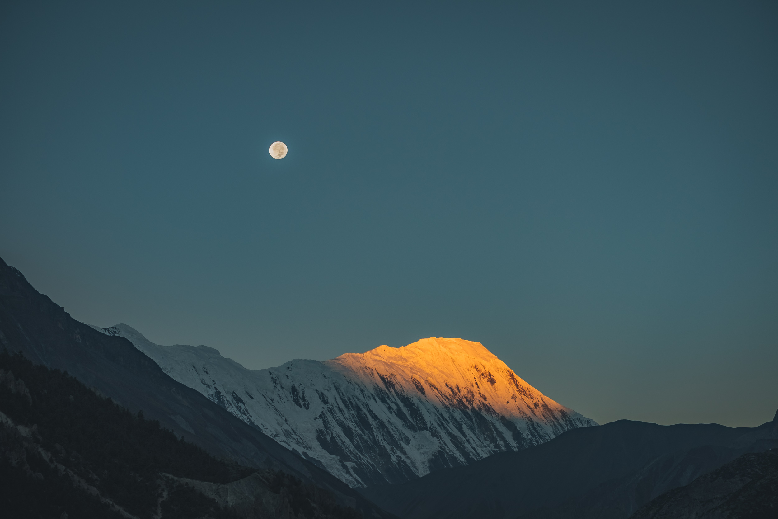 Sunrise from a rooftop in Manang.