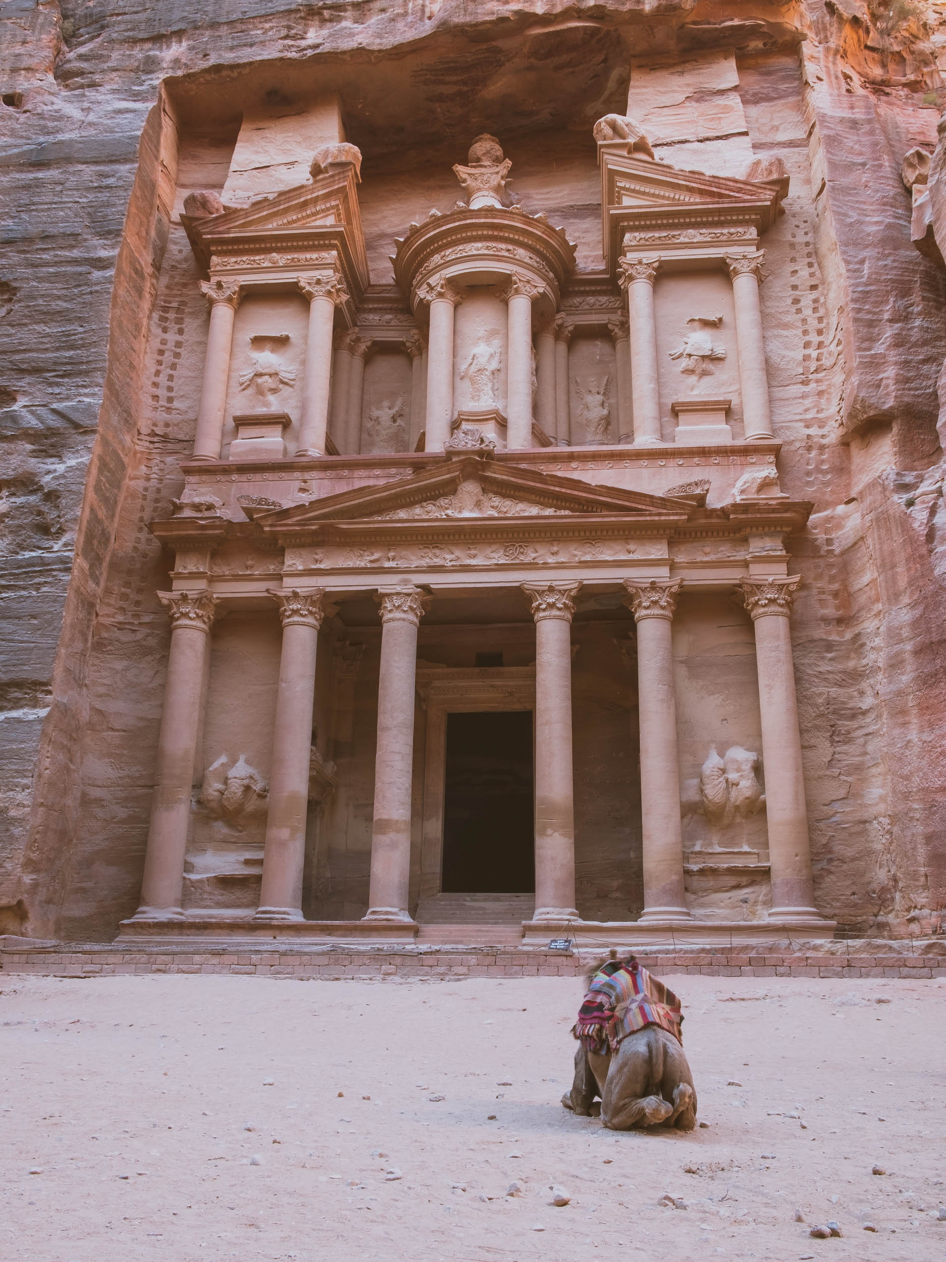 10 day road trip in Jordan, visiting places such as Jerash, Dead Sea, Red Sea, Wadi Rum desert, Petra, King's higtway, Madaba and Amman.