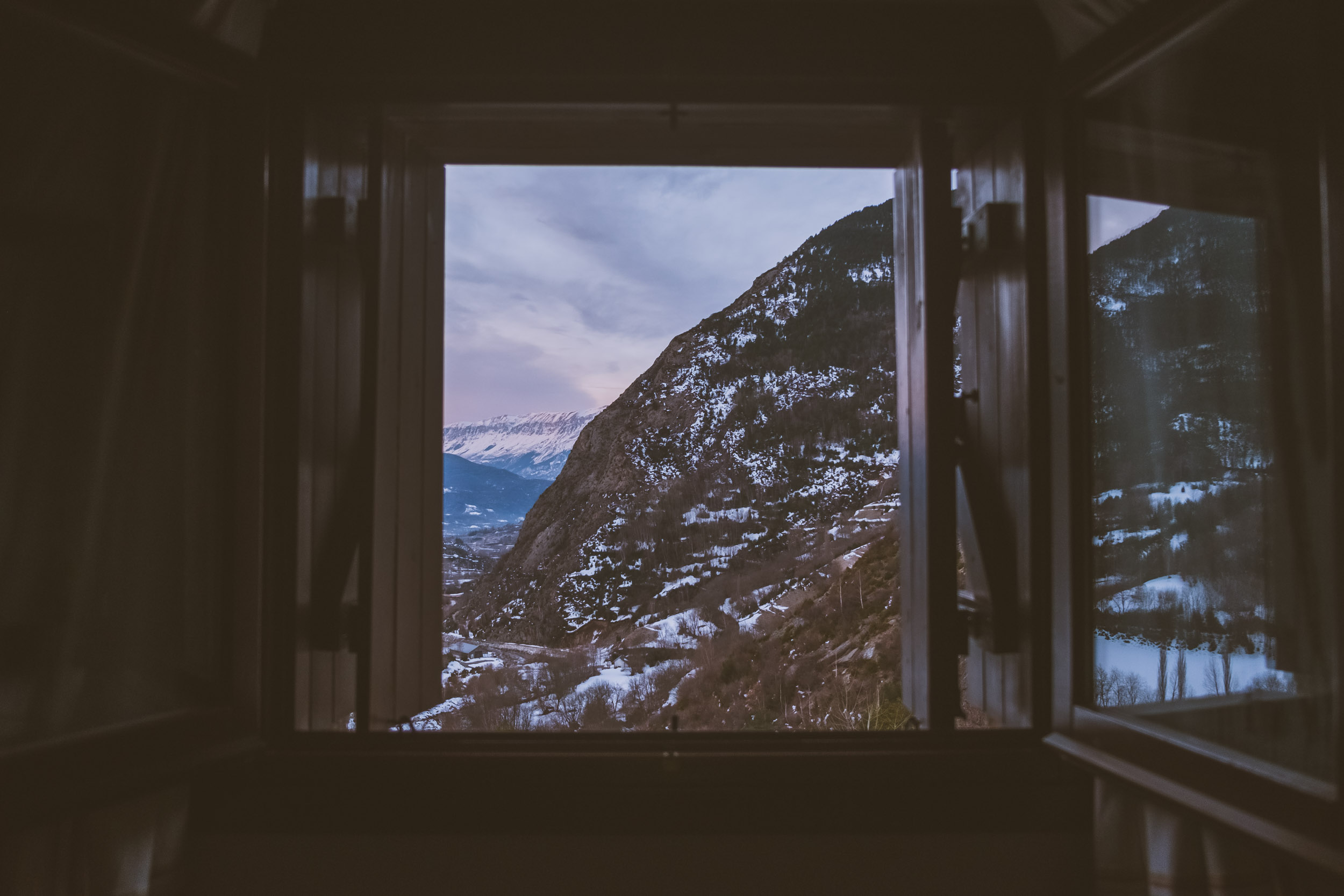 Sunrise Room View @ Benasque Valley