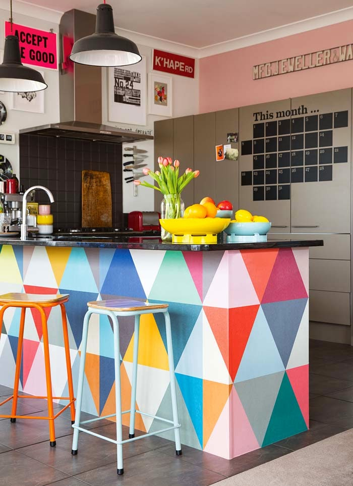 Colour ánd graphic design. Yes you definitely make a statement here | styling by Leeanne Yare & photo by Larnie Nicolson