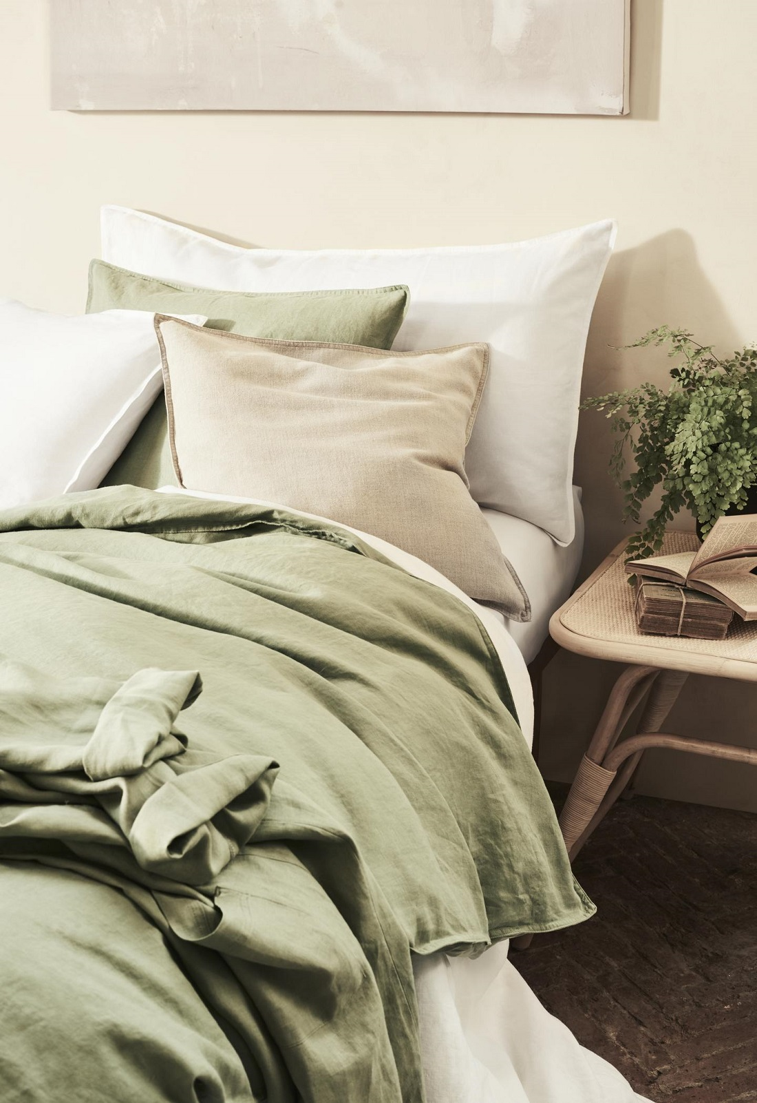 The Nordroom - Pastel Colors & Floral Patterns in the H&M Home Spring Collection 2019