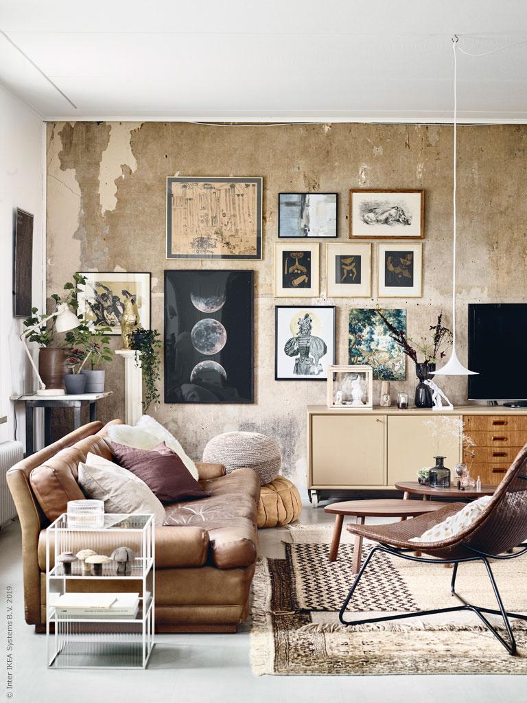 The Nordroom - Потрясающая гостиная с художественным оформлением и привлекательными стенами