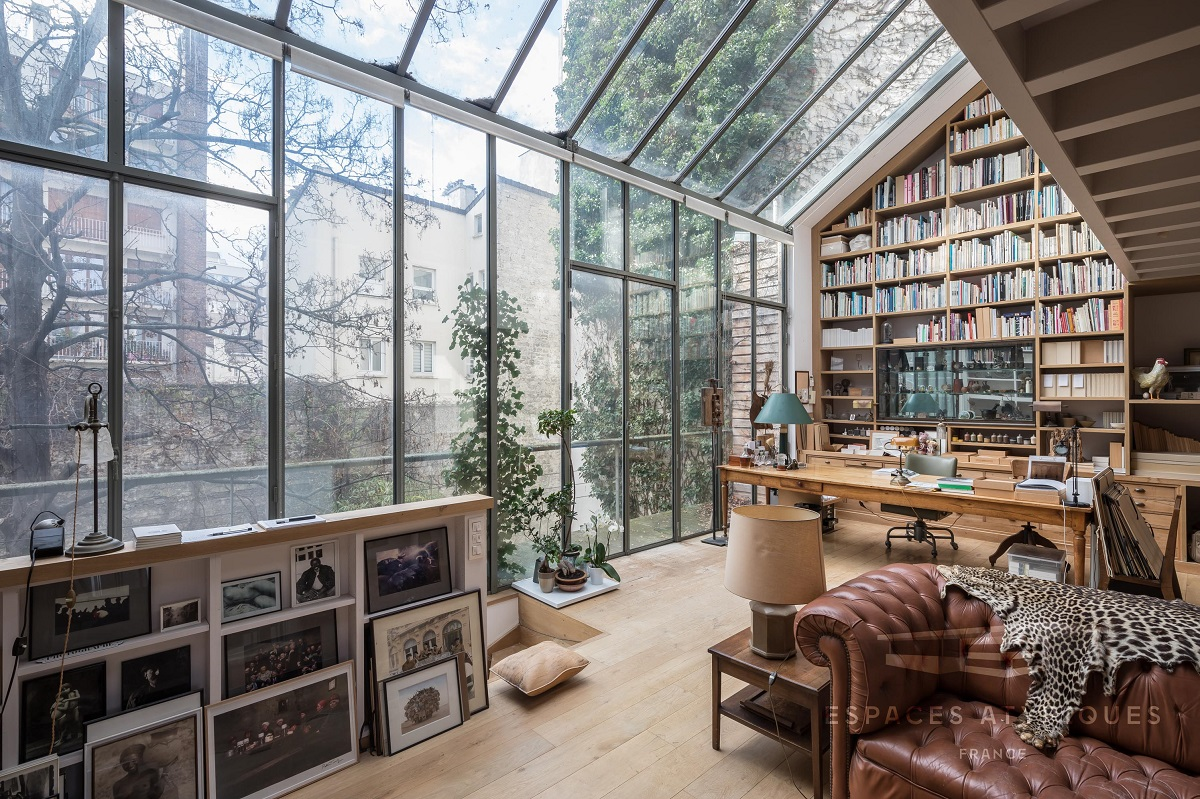 The Nordroom - A Serene Book-Filled Oasis in Paris