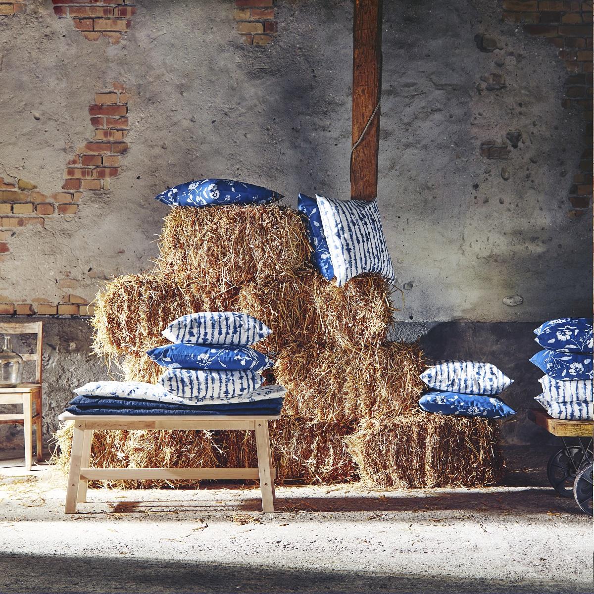 Strimsporre & Blågran cushion covers