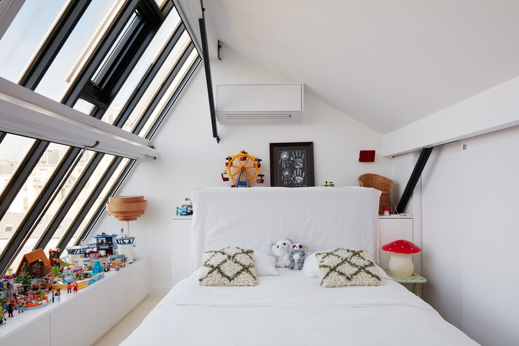 040_AD_FA_177.jpgThe Nordroom - A Painter's Dream: A Light-Filled Loft Apartment in Montmartre