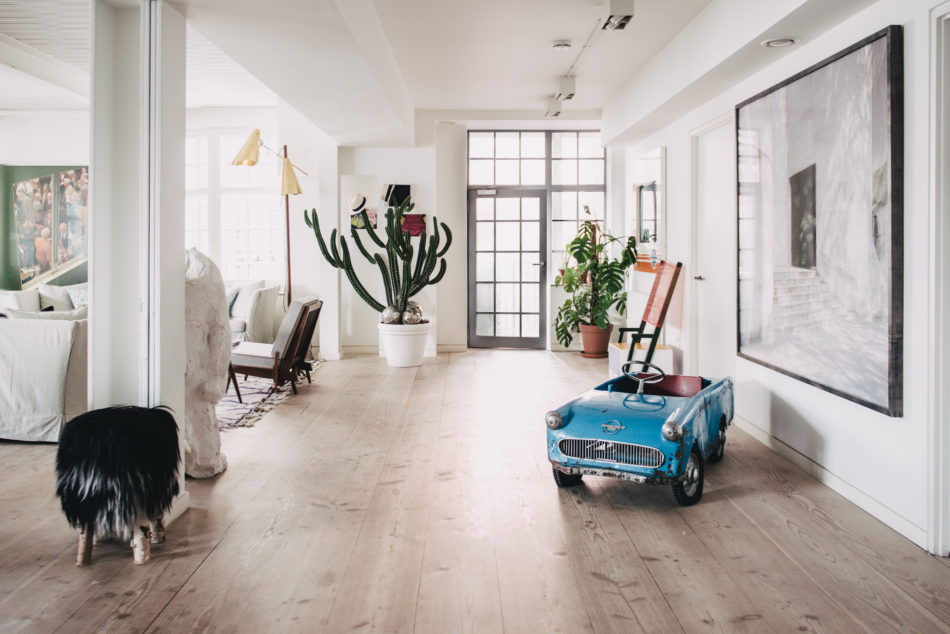 creative-director-Alex-Eagle-1-950x634.jpgThe Nordroom - A Serene Light-Filled Loft Apartment in Soho