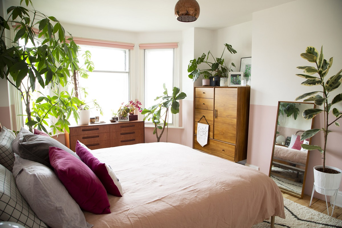 The Nordroom - Pink And Plants In An Edwardian Home in England
