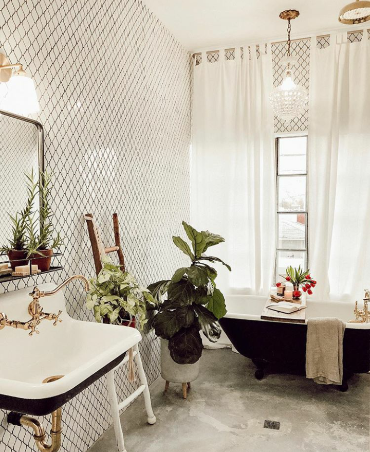 The Nordroom - 25 Inspiring Bathrooms With Geometric Tiles  image: Jenna Wright