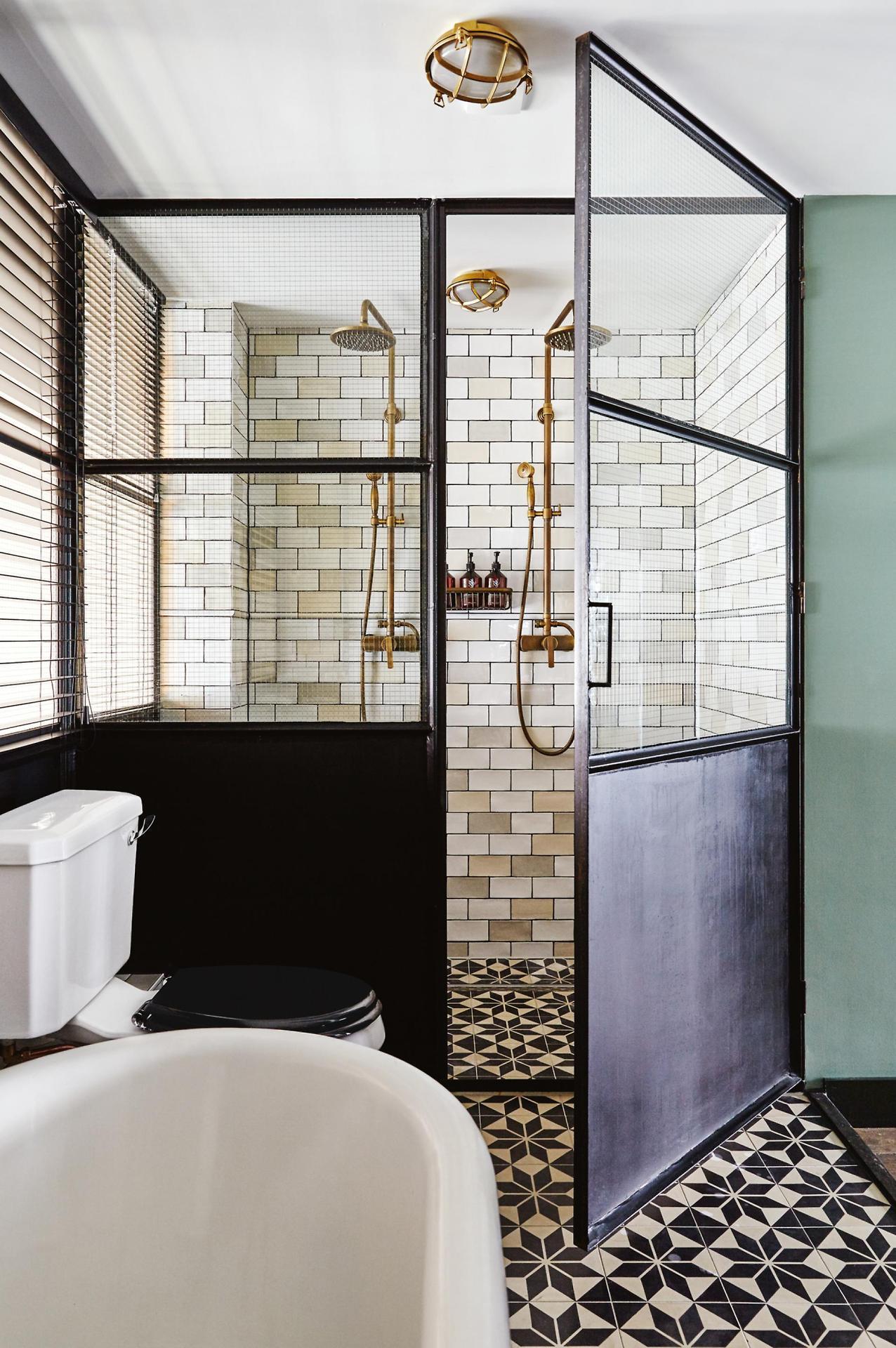 The Nordroom - 25 Inspiring Bathrooms With Geometric Tiles  image: Alan Jensen